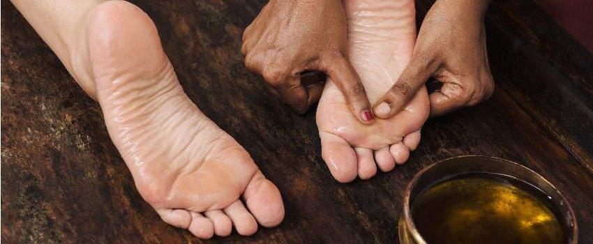 astuces-contre-les-pieds-gonfles-post
