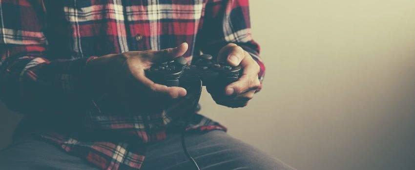 choisir-sa-console-de-jeu-playstation-4-vs-xbox-one-post