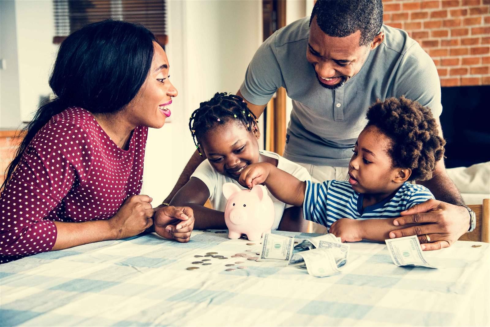 famille gere ses depenses de voyage