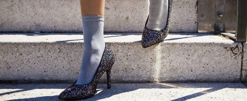 montrer-chaussettes-dans-chaussures-post
