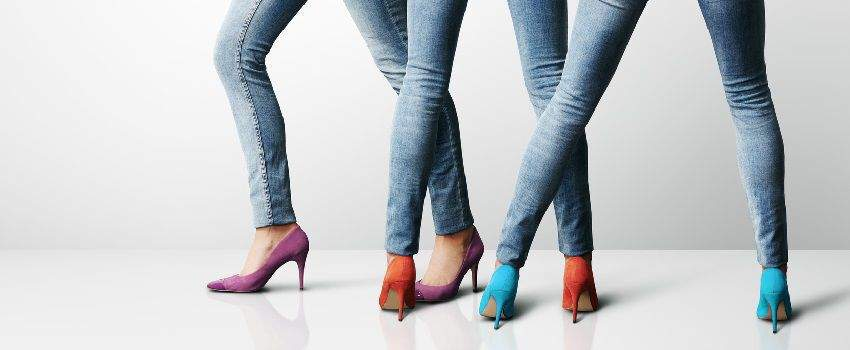 porter-chaussures-monochromes-post