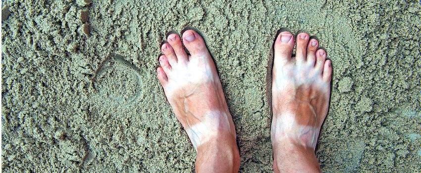 porter-sandales-touriste-post